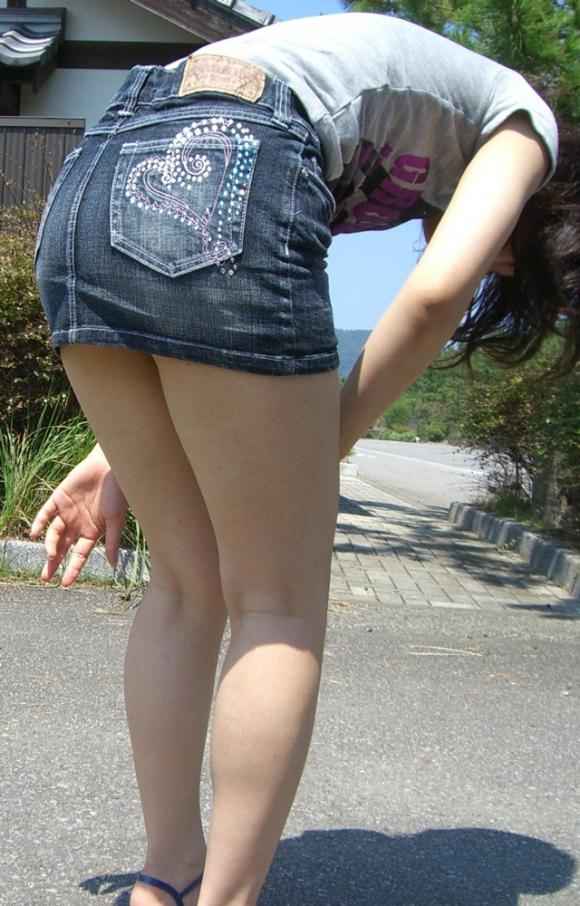 【街撮り】ナンテコッタイwwwパンツ見えそうな服装で外出してる素人が多すぎるwwwwwww【画像30枚】20_20160519221453d2f.jpg