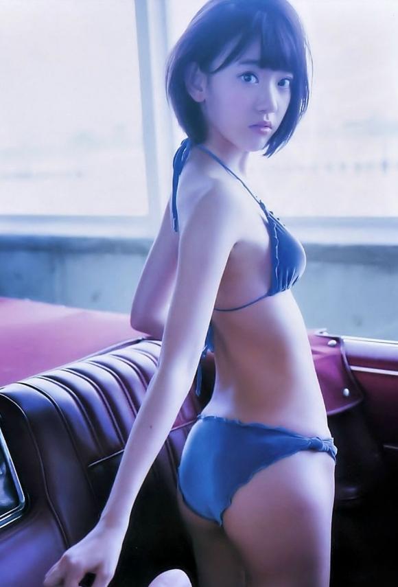 HKT48宮脇咲良ちゃんのおっぱいが凄いことになってる厳選グラビア画像【30枚】21_201601040400447e3.jpg