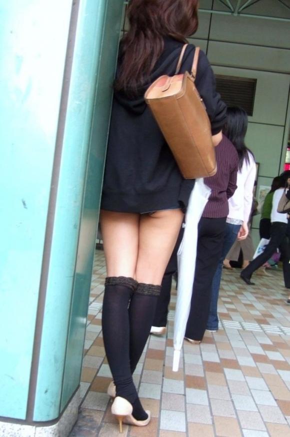 久しぶりに東京行ったら街を歩いてる女の子がくっそエロい服装で歩いててビビったwwwwwww【画像30枚】21_20160210205110198.jpg