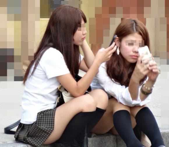 JKが学校内で撮った悪ふざけ写メのエロさの度が過ぎる件wwwwwww【画像30枚】22_2016061610503561d.jpg