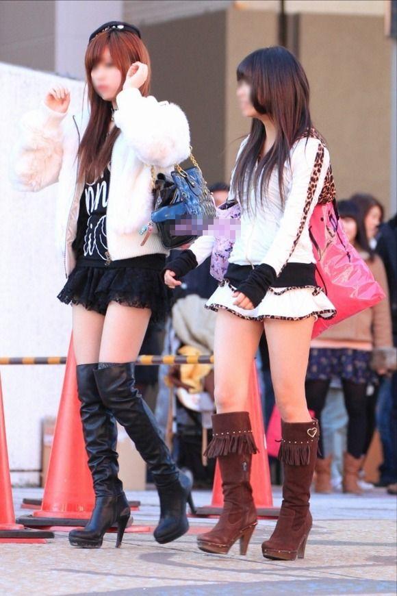 素人なのにパンチラしそうな短すぎるミニスカ履いてる女の子が多すぎるwwwwwww【画像30枚】22_201607302205248d5.jpg