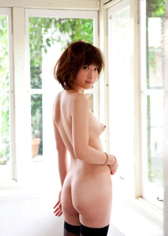 【エロ画像】優しく吸い付いてあげたいプックリ膨らんだぷっくり乳りん画像23_20151128103210db3.jpg