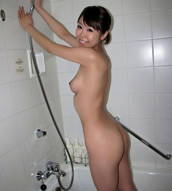 【エロ画像】彼女とラブホ行ったら広い浴室でテンション上がってたから写真撮っちゃったwwwwwww23_201512111201498fc.jpg