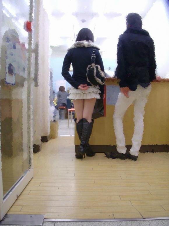 冬限定のミニスカブーツスタイルがエロくてたまらんwwwww【画像30枚】23_20151226130135c72.jpg