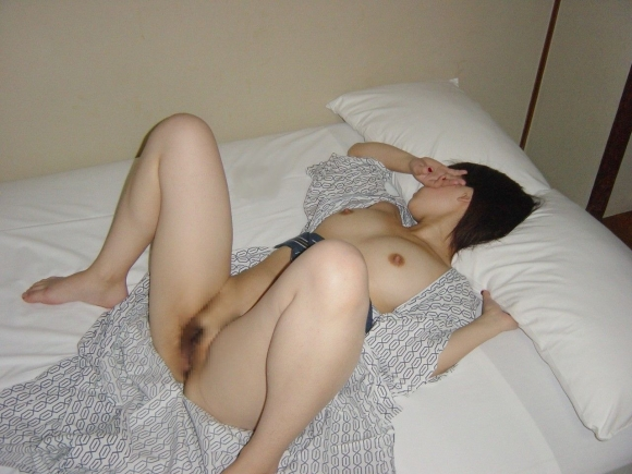 ちょ・・・コレ見てwww温泉旅行の時の彼女の浴衣姿がくっそエロかったからうpするわwwwwwww【画像30枚】23_20160418215746eb1.jpg