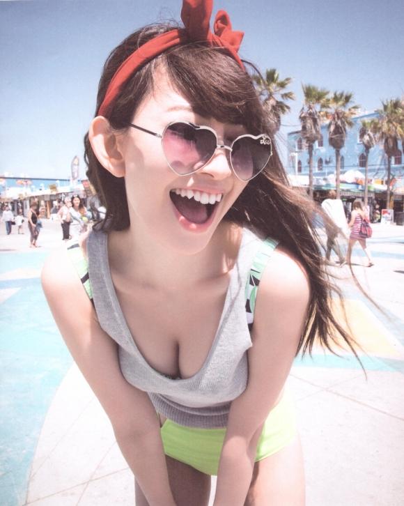 【卒業決定!?】AKB48こじはること小嶋陽菜ちゃんの手ブラやセクシーランジェリー姿などを記念にまとめてみた【画像40枚】24_201511211508577c9.jpg