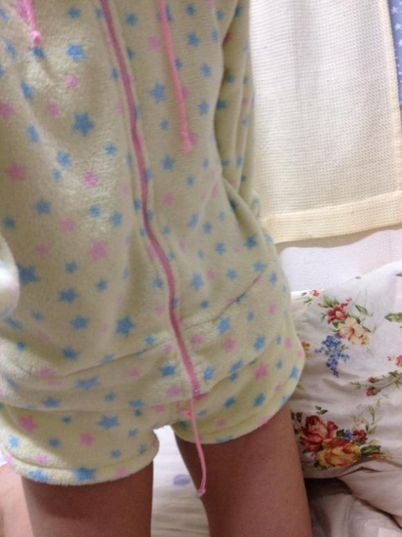 【エロ画像】寒い冬にピッタリ!家に遊びに来た彼女が着てたかわいいモコモコ部屋着を撮ったったwwwww24_20151202142706853.jpg