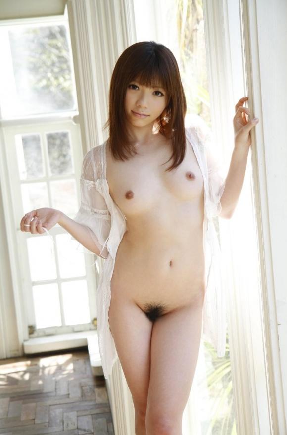 ちょ・・・・・マジで心配になるwww直立全裸で陰毛丸出しの女の子ってなんなのぉぉぉぉぉwwwwwww【画像30枚】24_20160216203023e53.jpg