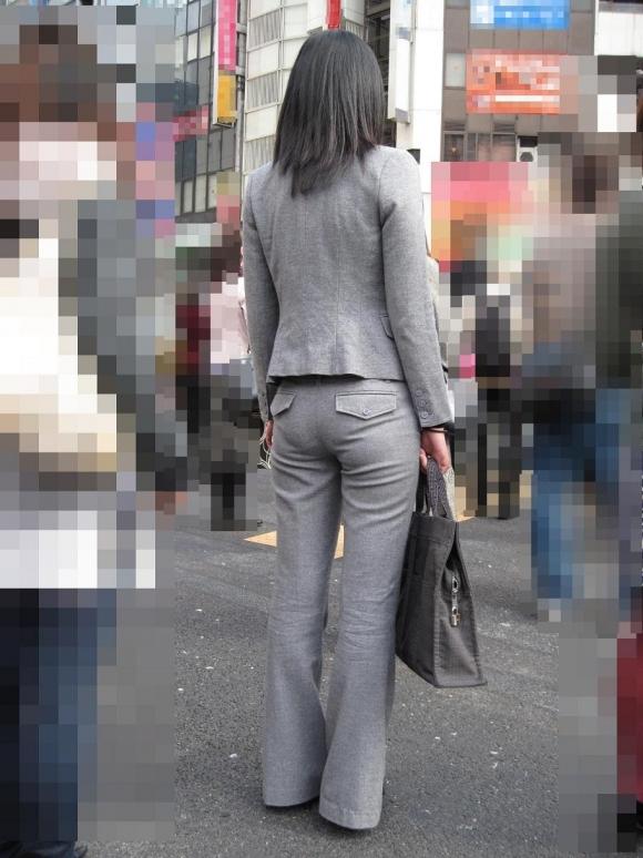 もうすぐ入社シーズンだから働くお姉さんのエロスを感じるスーツ画像をうpしてくwwwwwww【画像30枚】24_20160320034518756.jpg