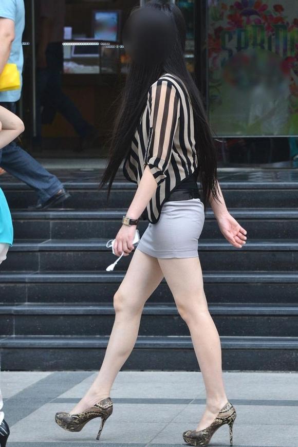 素人なのにパンチラしそうな短すぎるミニスカ履いてる女の子が多すぎるwwwwwww【画像30枚】24_201607302205278a6.jpg