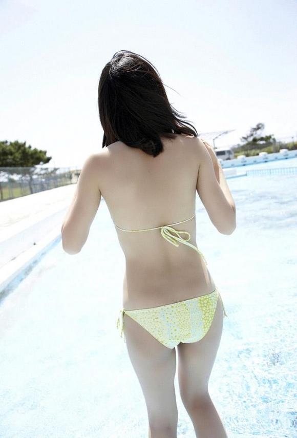 元AKB48あっちゃんこと前田敦子ちゃんの手ブラ半ケツふとももアリのエロかわいいグラビア【画像30枚】25_201512240407295a7.jpg