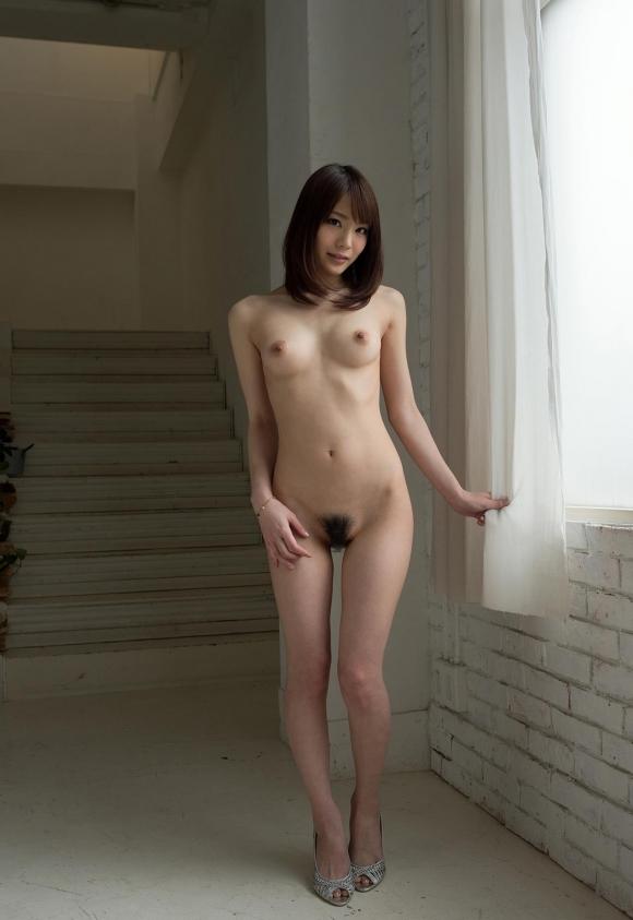 ちょ・・・・・マジで心配になるwww直立全裸で陰毛丸出しの女の子ってなんなのぉぉぉぉぉwwwwwww【画像30枚】25_201602162030246d7.jpg