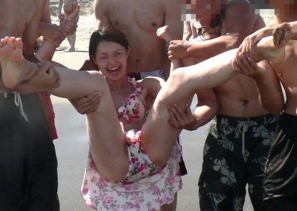【素人投稿】夏だからってwww悪ノリで水着ギャルが撮った自撮り写メのエロさがハンパないwwwwwww【画像30枚】25_20160701233042c9f.jpg
