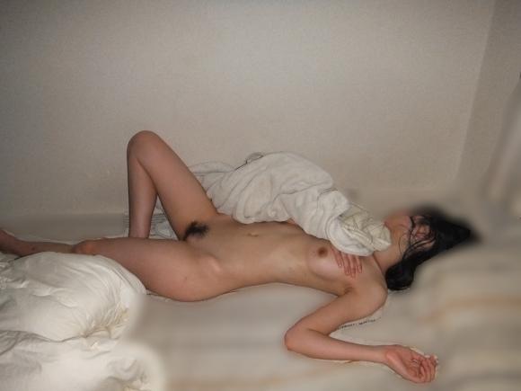 【素人限定】ちょ・・・これマジかwwwセックス直後の事後ヌード画像がエロすぎて大量流出wwwwwww【画像30枚】25_20160722123427727.jpg