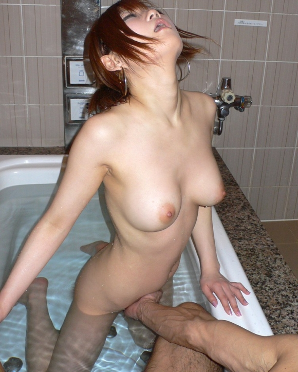 【エロ画像】寒い冬はあったかい女の子の膣内に手を入れてクチュクチュ手マンに限りますwwwwwww26_20151203015826ba7.jpg