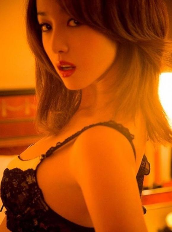 沢尻エリカちゃんの美しい生おっぱいやセックスキャプがエロすぎwwwww【画像30枚】26_201601140008119d3.png