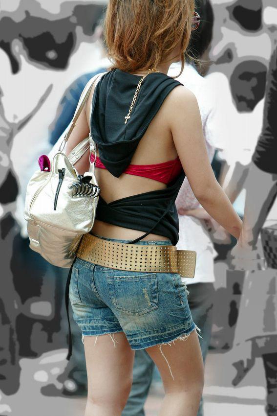 久しぶりに東京行ったら街を歩いてる女の子がくっそエロい服装で歩いててビビったwwwwwww【画像30枚】26_20160210205129419.jpg