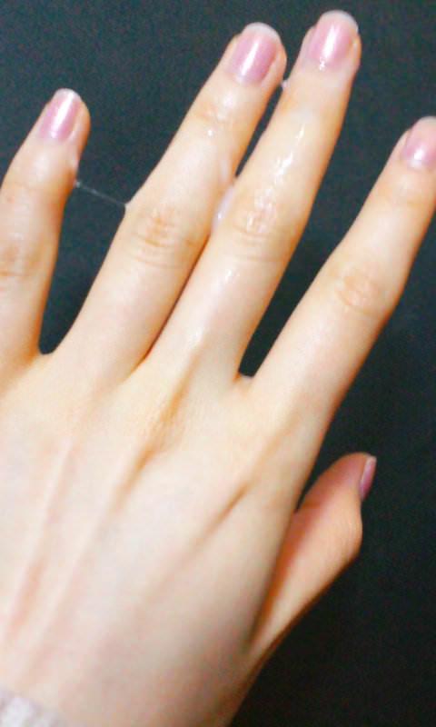 【指マン汁】女の子がオナニー直後に撮った糸引き自撮り写メが想像以上にくっそエロいwwwwwww【画像30枚】27_2016061923485452f.jpg