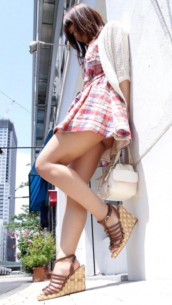 脚フェチが思わず飛び込んじゃいそうな綺麗な脚の女の子wwwww【画像30枚】27_20160725112854b54.jpg