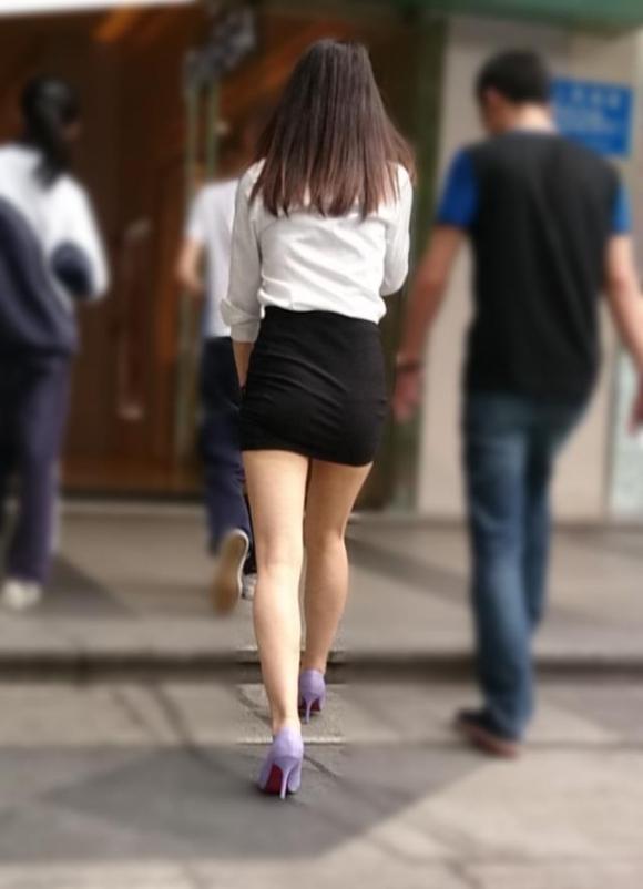 素人なのにパンチラしそうな短すぎるミニスカ履いてる女の子が多すぎるwwwwwww【画像30枚】27_20160730220549b54.jpg