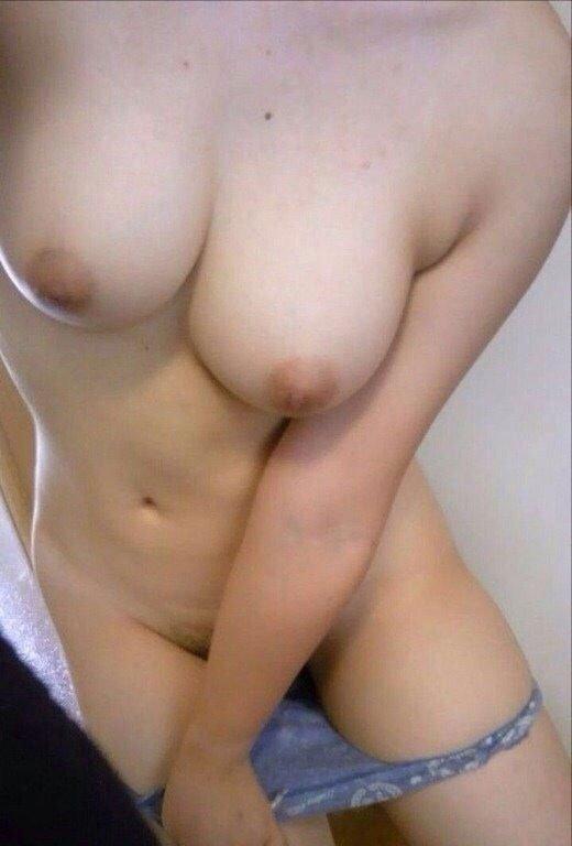 裸画像を無料提供うp・・・・・女神様の自撮りおっっっっっぱぁぁぁぁぁいwwwww【画像30枚】28_20151220224140f48.jpg
