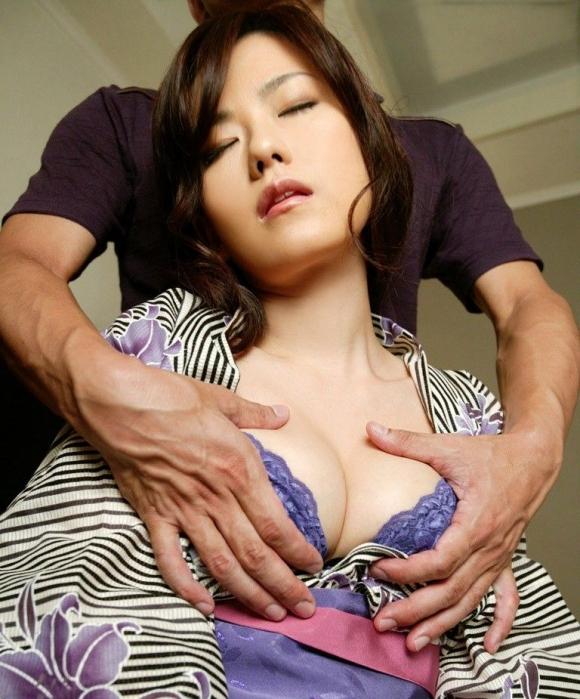 これぞ日本のエロ写真っていう浴衣着てる女の子の乱れた性wwwwwww【画像30枚】28_20160403223718292.jpg