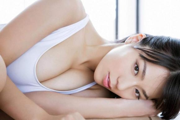 Fカップグラドル「小瀬田麻由」ちゃんがココまで脱いだ!【画像30枚】28_201608210134181d3.jpg
