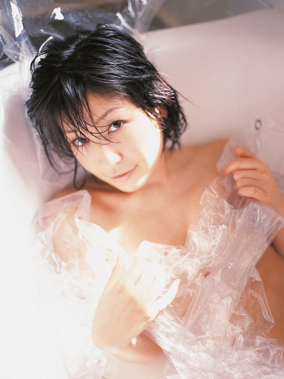 小野真弓ちゃんの癒し系セクシーグラビア【画像30枚】28_20160826130018df7.jpg