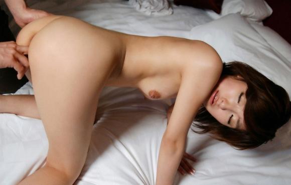 【エロ画像】寒い冬はあったかい女の子の膣内に手を入れてクチュクチュ手マンに限りますwwwwwww29_201512030158301ea.jpg