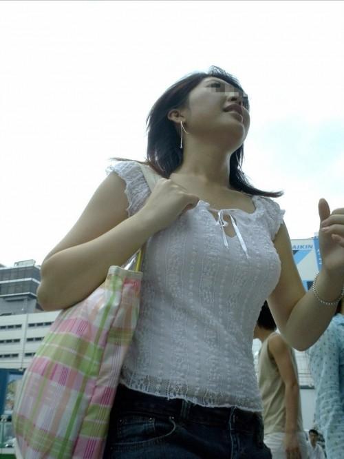 【素人/若い子限定】街で見かけた着衣巨乳女子を抜いた画像を集めましたwwwwwww29_20151205012154302.jpg
