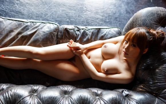【エロ画像】こんな風にベッドから誘う女を前にしたらチンコフルボッキで襲っちゃうしかないwwwwwww29_201512080356478b3.jpg