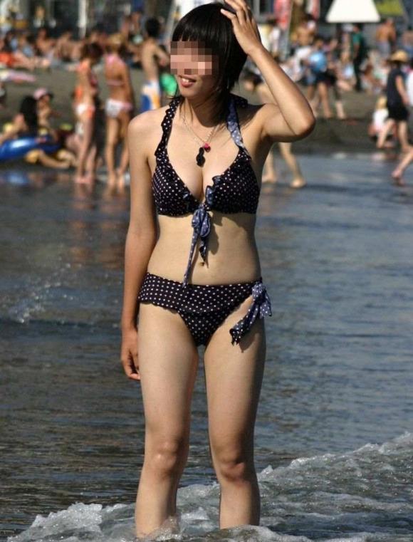 コレが素人女子の最新トレンド水着wwwエロすぎてホントに素人なのか疑うwwwwwww【画像30枚】29_20160207214548c57.jpg