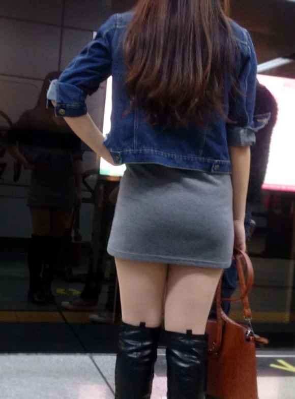 久しぶりに東京行ったら街を歩いてる女の子がくっそエロい服装で歩いててビビったwwwwwww【画像30枚】29_201602102051357df.jpg