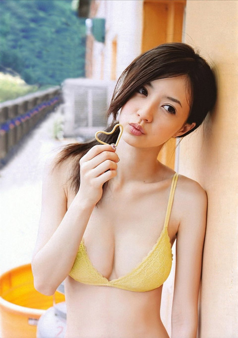 女優としても活躍中の逢沢りなちゃんのセクシーグラビア画像【30枚】29_20160602113555c1d.jpg