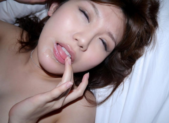 【口内発射】かわいいお口にドピューっとザーメンたっぷり出されちゃってる女の子wwwwwww【画像30枚】29_201606032356073b3.jpg