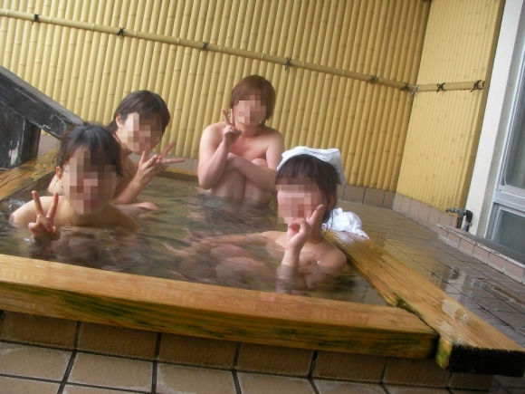 【流出画像】女の子のスマホに保存されてた女子会温泉旅行の写真がエロすぎて閲覧注意wwwwwww【画像30枚】29_20160730235531305.jpg