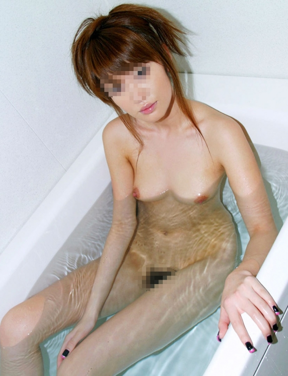 【エロ画像】彼女とラブホ行ったら広い浴室でテンション上がってたから写真撮っちゃったwwwwwww30_2015121112020963e.jpg