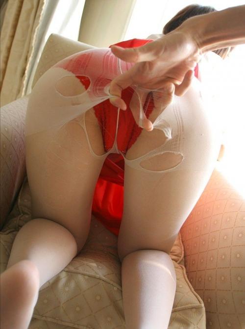 衣服を引き裂かれたり切り取られたりされてる女の子がヤバすぎるwwwwwww【画像30枚】30_20160227214452fae.jpg