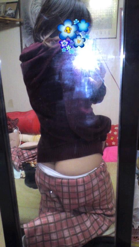 【素人限定】ベッドに飛び込んで襲いたくなる素人女子のパジャマ姿くっそエロいwwwwwww【画像30枚】30_201605271749313f0.jpg