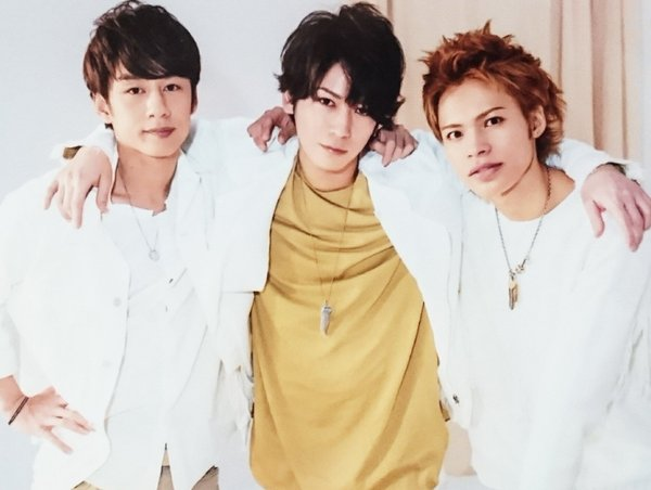 KAT-TUN中丸雄一、5/27(金)に亀梨和也と上田竜也の3人で食事をしたことをファンに報告