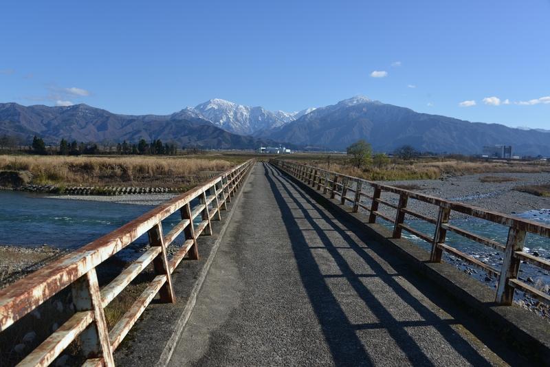 魚野川に掛かる橋-1