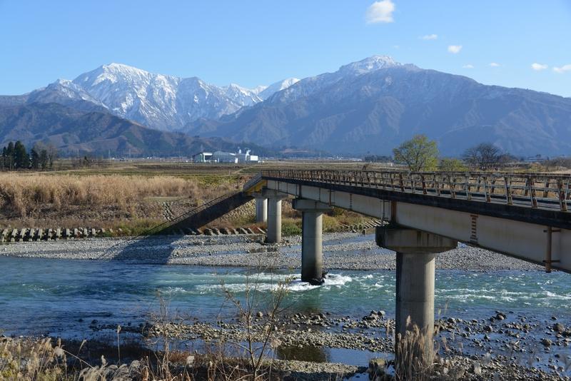 魚野川に掛かる橋-2