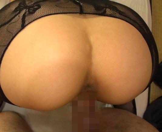 ムチ尻の人妻が極上の足コキとパンスト着衣SEXで中出し抜きの脚フェチDVD画像6