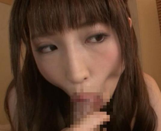 責め上手な愛沢かりんがスレンダーな生美脚で生足コキの脚フェチDVD画像1
