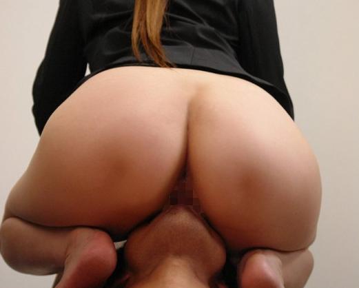 ドエスで痴女過ぎる美人秘書のエロエロな生足コキの脚フェチDVD画像1