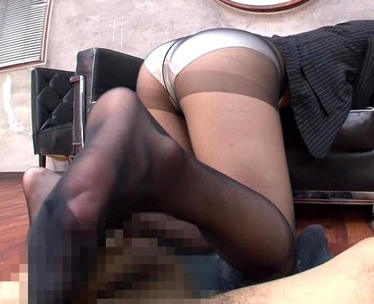 秘書のパンスト尻コキに足フェチ必見の黒スト足コキで大量脚射の脚フェチDVD画像4