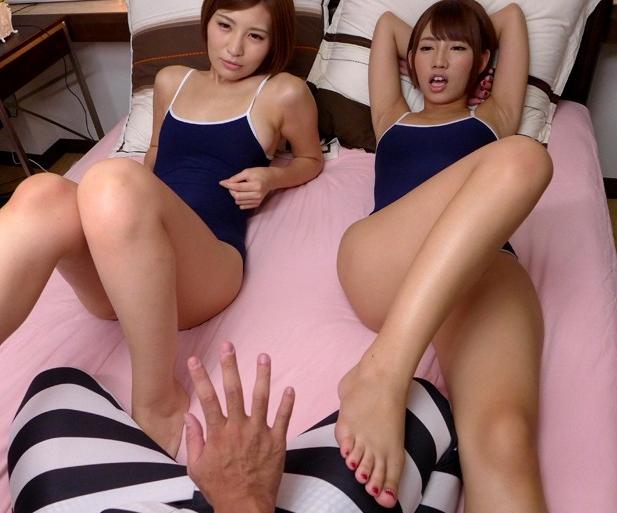 痴女過ぎる女子校生たちに足コキされ強制中出しされ犯されるの脚フェチDVD画像4