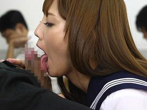【みづなれい】授業中に濃厚フェラチオでザーメンを吸出しごっくんしてお掃除フェラまでする美少女