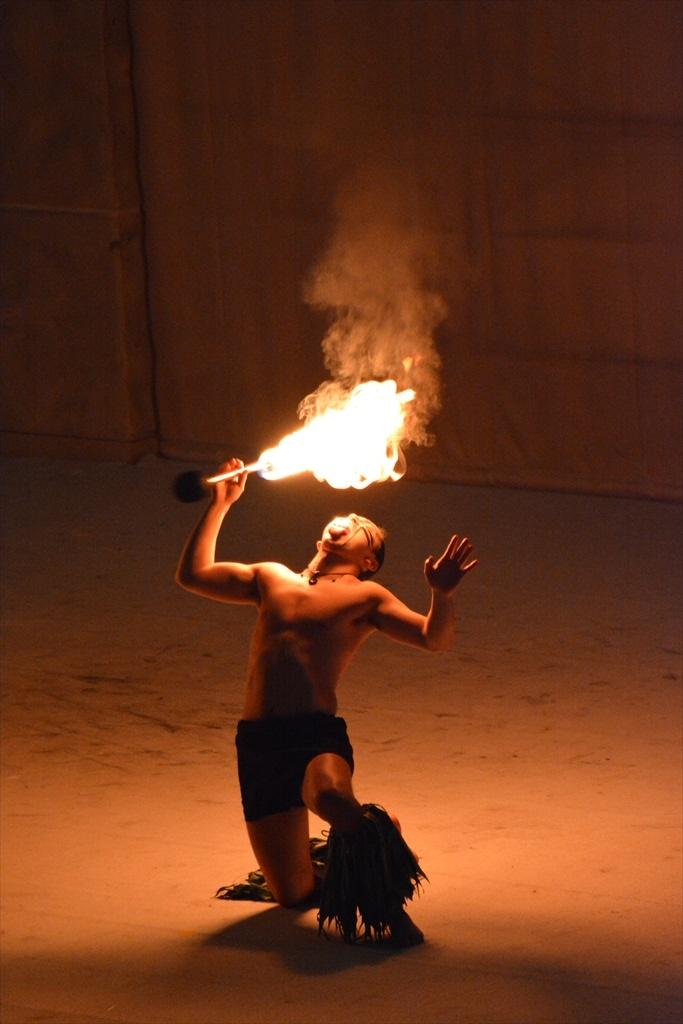 火を扱うパフォーマンス_2_4
