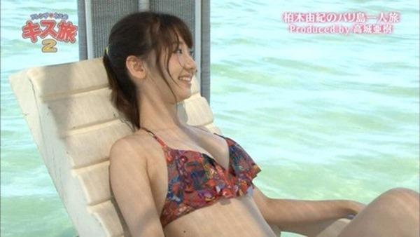 柏木由紀巨乳おっぱい胸チラ10